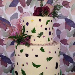 custom-made wedding cakes