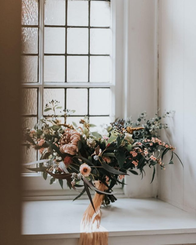 wild rambling wedding bouquet
